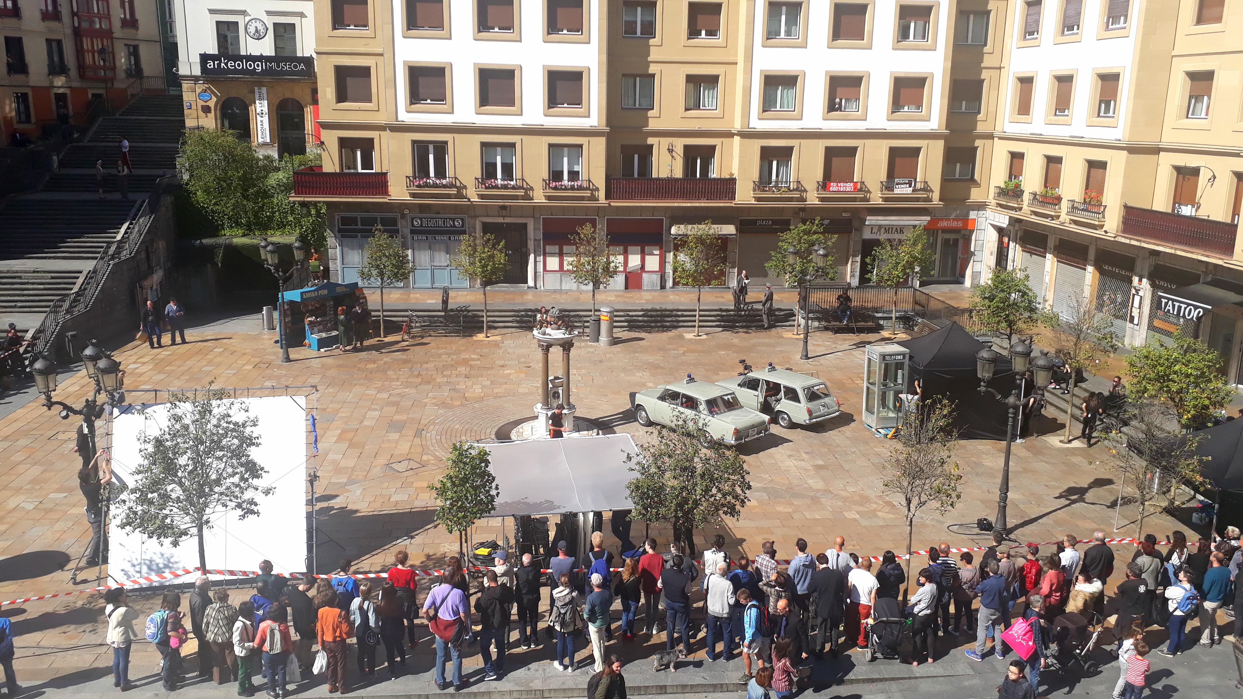 """UNAMUNO SQUARE IN BILBAO, SETTING FOR THE SERIES """"LA LÍNEA INVISIBLE"""", DIRECTED BY MARIANO BARROSO"""